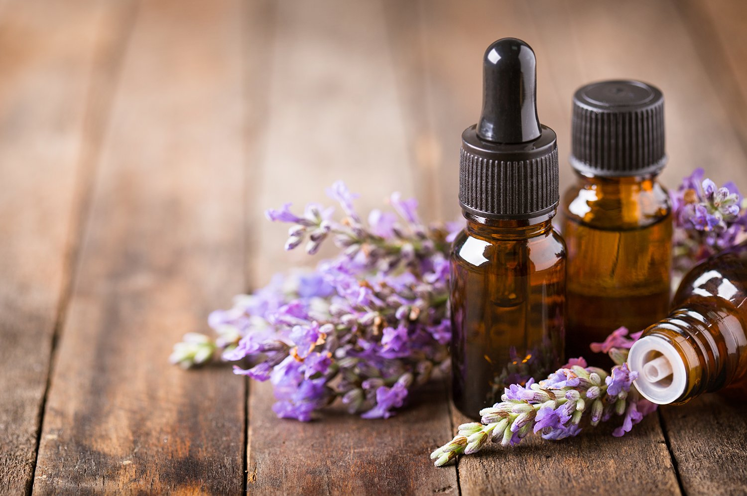 7 essential oils to help soothe seniors and how to use them